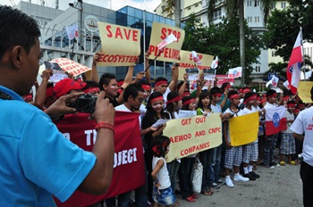 Arakanese-in-Malaysia-protest-against-shwe-gas1