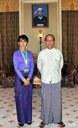 Suu-Kyi-and-Thein-Sein-meet