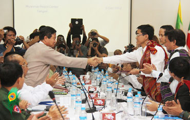 CNF-and-Govt-peace-talks-3_s.jpg
