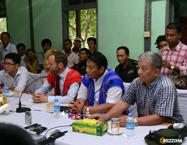 KNU-and-Government-peace-talks-in-Kyaukkyi-5story_s