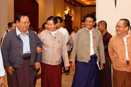 Hkun Htoon Oo, Aung Min (Minister), Khin Maung Swe (NDF) and Sai Nyunt Lwin at a reception in Yangon (Photo – Ko Phyo Gyi / Kawli Media)