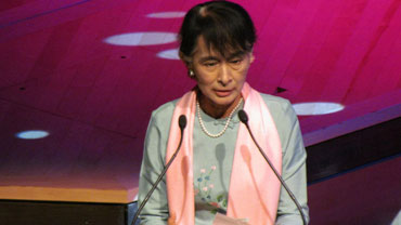 Aung San Suu Kyi speaks to the Burmese community at the Royal Festival Hall in London on Friday, June 22, 2012. Photo: Burma Campaign UK