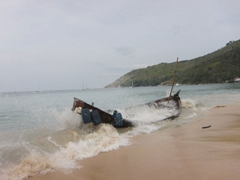 boat_damaged_in_Thailand_coast