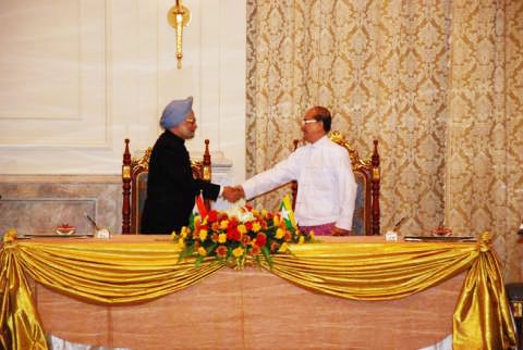Indian Prime Minister Monmohan Singh and Burmese President Thein Sein in Naypyitaw on Monday, May 28, 2012. Photo: President's office