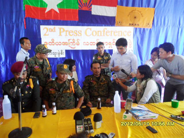 Major General Na Kham Mwe holds his second press conference. Photo: Karen News